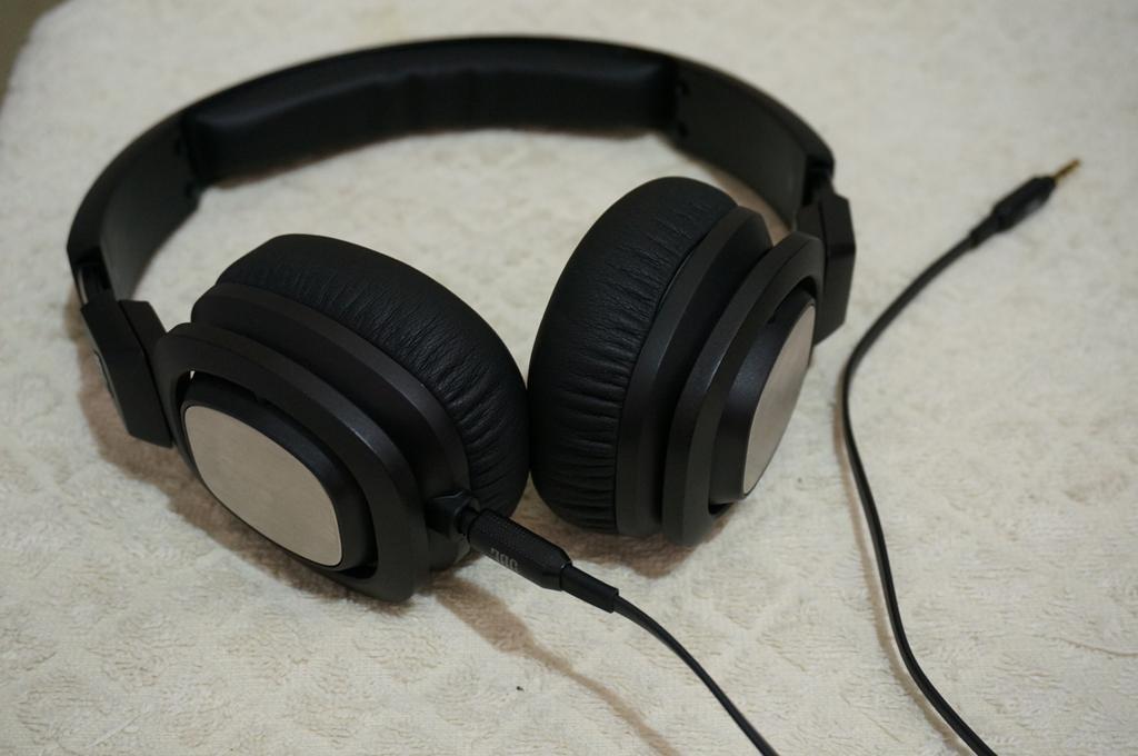 JBL J55 headphone
