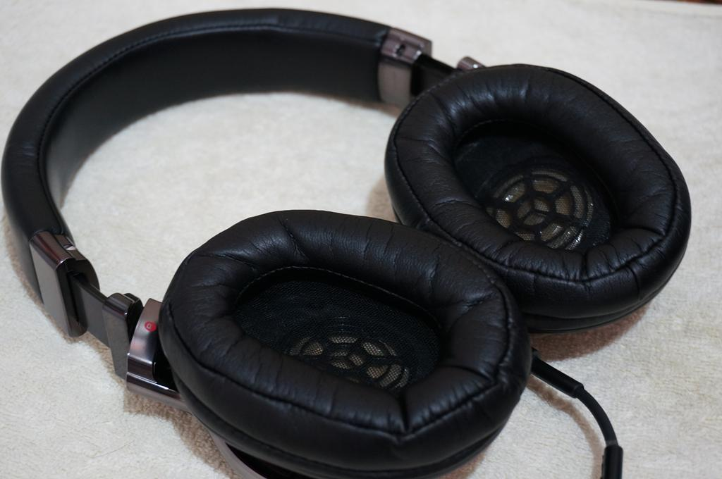Sony MDR-1R earpads