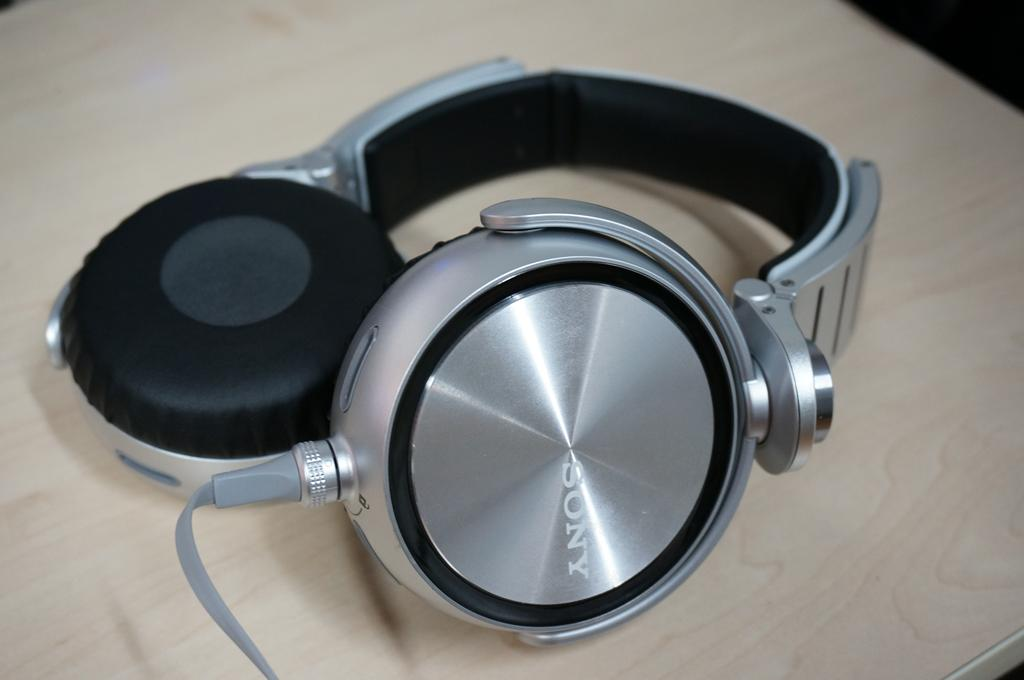 Sony MDR-XB90