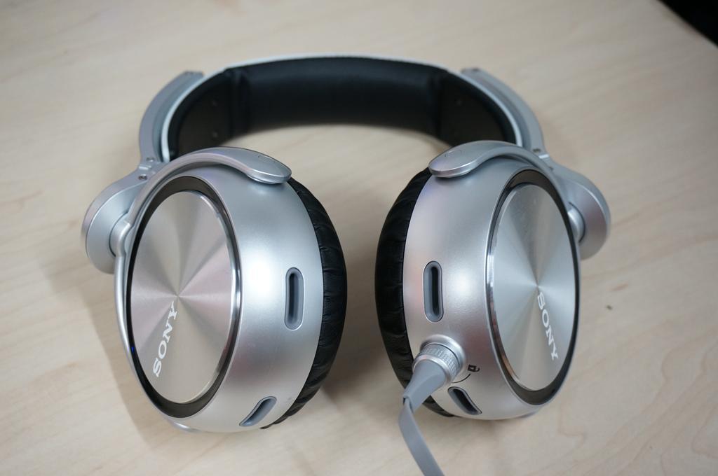 Sony XB920 basshead headphone