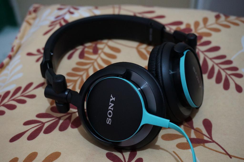 Sony v55