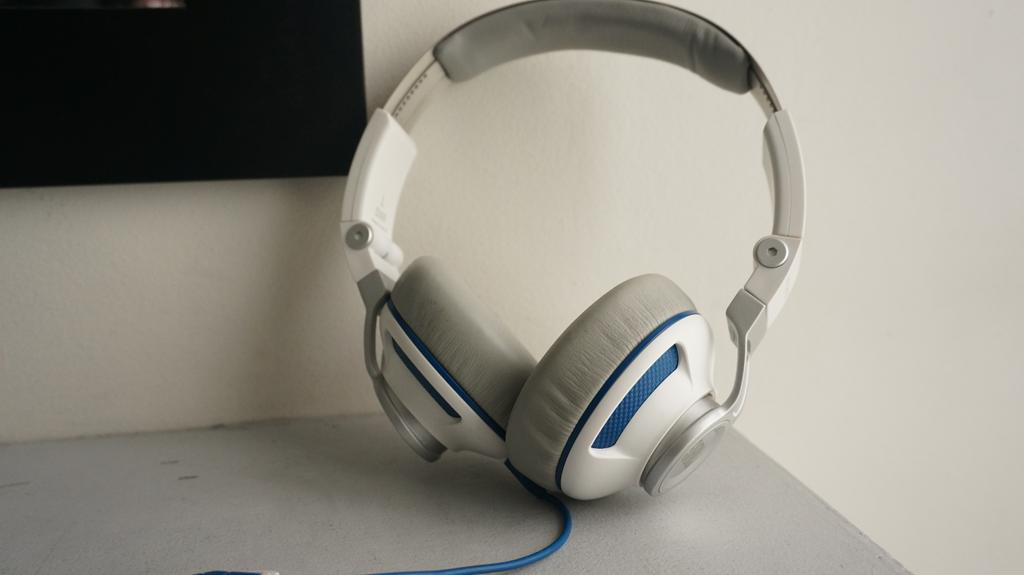 JBL S300 headphone