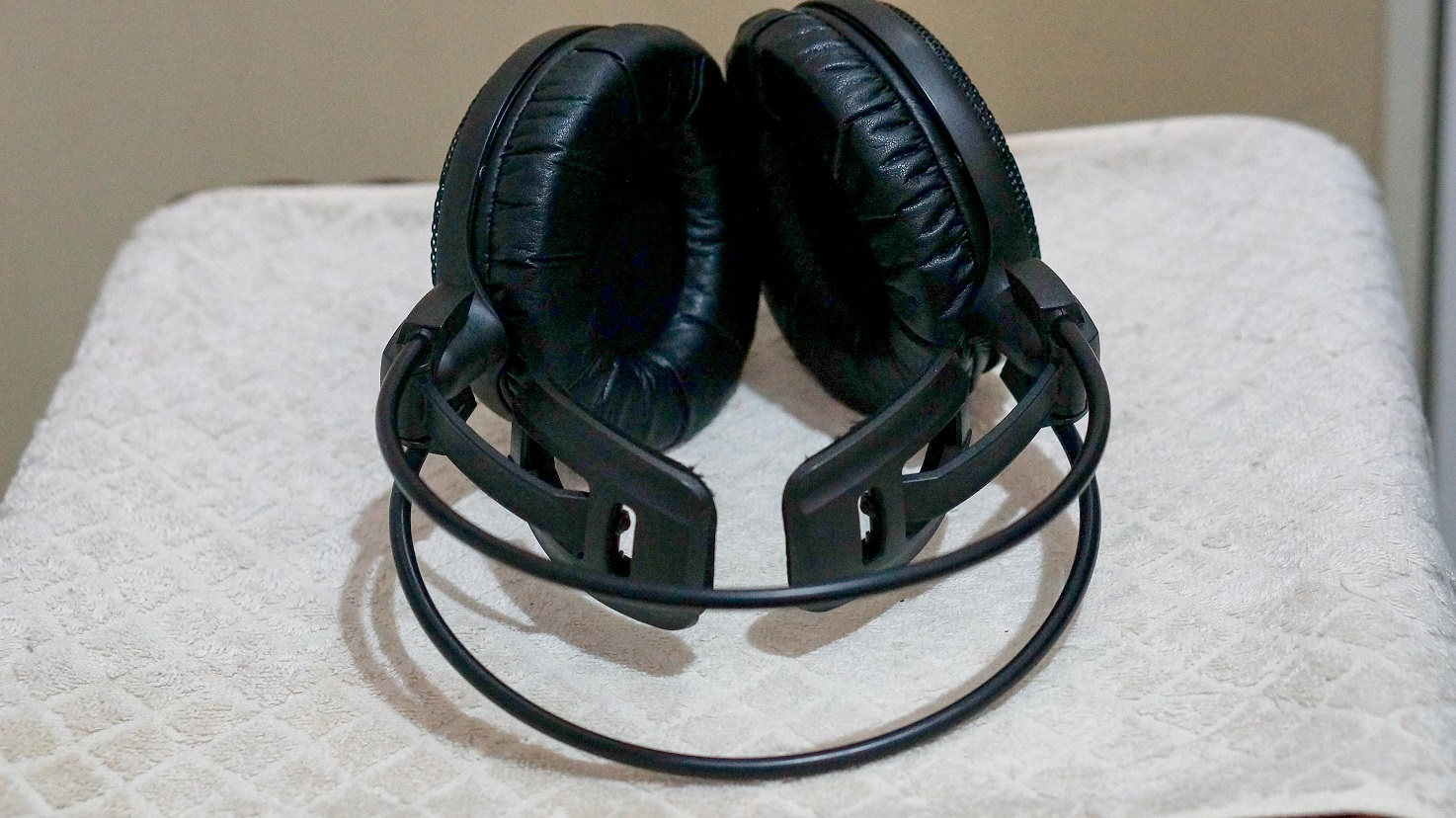 Audio Technica AD900x wing headband